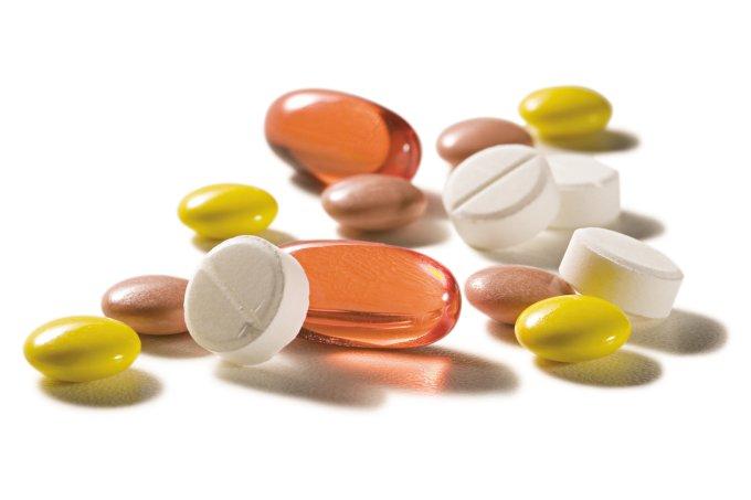 Os Brasileiros descartam cerca de 30 mil toneladas de medicamentos por ano na rede de esgoto ou lixo comum