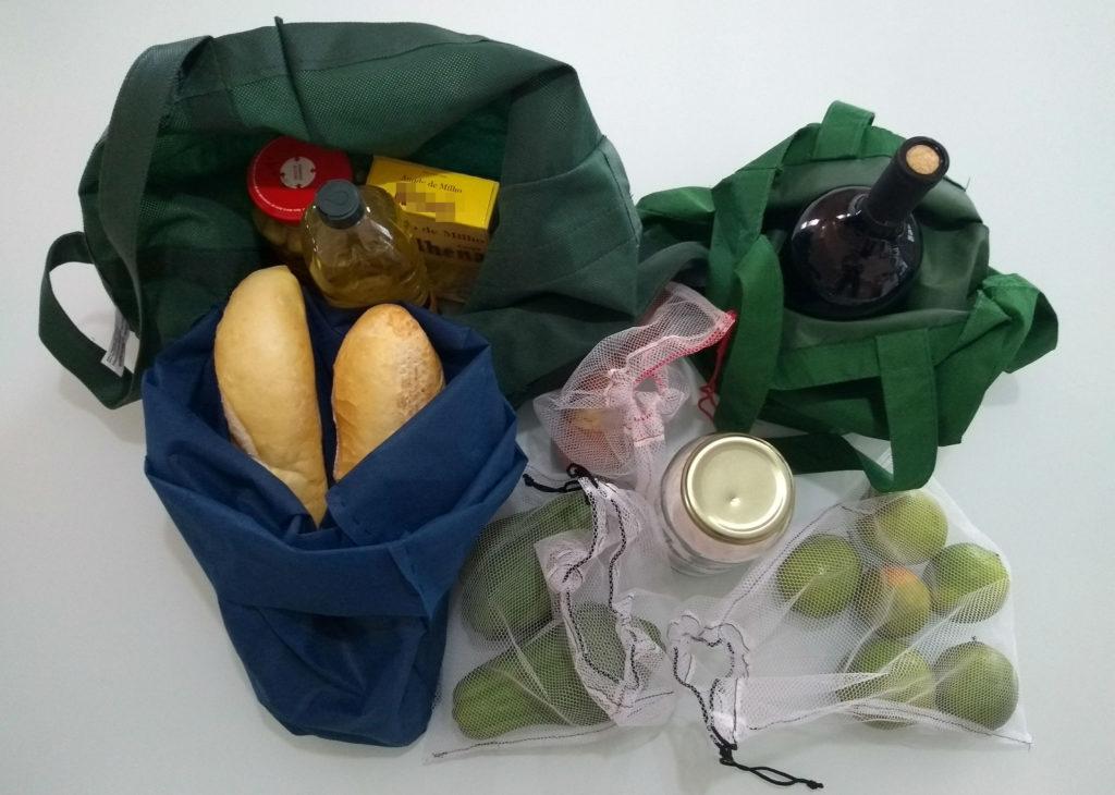 Existem várias formas de substituir embalagens descartáveis nas compras de supermercado