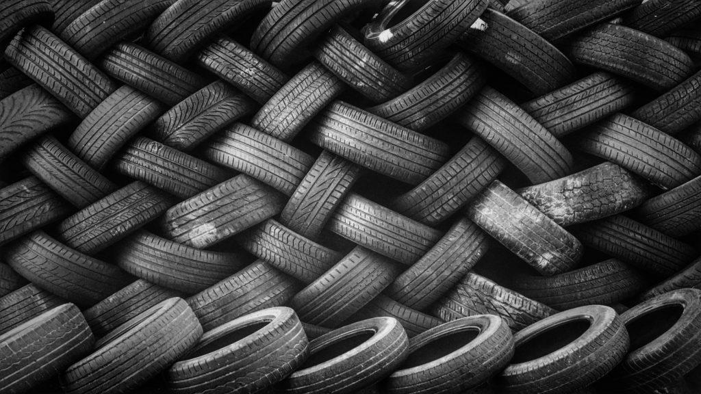 Muitas vezes, não sabemos qual destino dar para diversos resíduos e os pneus é um deles.